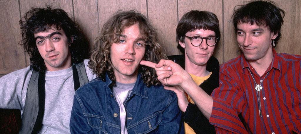 R.E.M 特徴と歴史